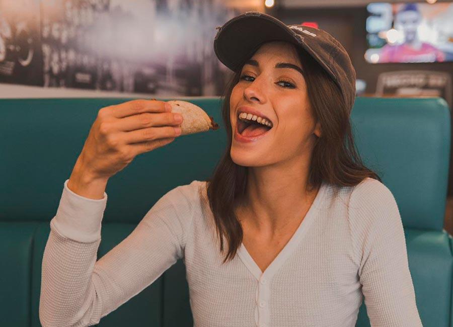 taco-woman-eating-taco